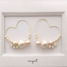 コットンパールの♡イヤリング Diy Jewelry Rings, Pearl Jewelry, Jewelry Crafts, Beaded Jewelry, Jewelery, Jewelry Making, Cute Earrings, Bead Earrings, Earrings Handmade