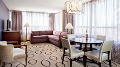 DoubleTree by Hilton Hotel Minneapolis North Hotel, MN -  King Suite