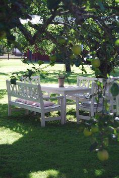 Leuke diner sets in alle kleuren en maten - Outdoor dining sets in all colors and sizes Outdoor Dining Set, Outdoor Rooms, Outdoor Gardens, Outdoor Living, Outdoor Decor, Dining Sets, Garden Furniture, Outdoor Furniture Sets, Exterior