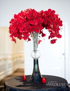red flower arrangements for weddings