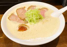 泡のスープは口当たりがとても良く中細ストレート麺にしっかりからむ。繊細なのに食べる人の心に響く存在感のある㐂蕎麦をご賞味ください。 Ramen, Ethnic Recipes, Food, Meals, Yemek, Windows, Eten