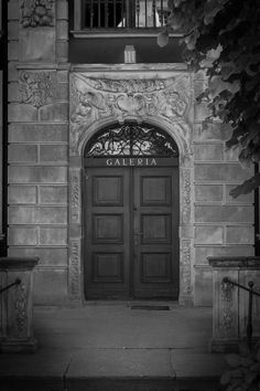 #Gdansk #Doors #Architecture   photo: Tomasz Mordarski