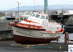 Engines for Espalamaca boat already in Pico
