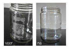 Lastige etiketten lijm van potten verwijderen op een natuurlijke manier. Neem Baking Soda (te koop bij Indische Toko) met (olijf)olie.