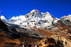 Annapurna (Nepal) - Localizado na Cordilheira do Himalaia, o maciço montanhoso Annapurna é formado por 30 imensas montanhas. A mais alta delas tem 8091 metros de altitude, e é conhecida por ser uma das mais perigosas do mundo para escalar. Em 2014, cerca de 40 pessoas morreram por conta de tempestades de neve e avalanches durante o esporte.
