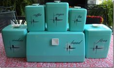 Vintage Atomic Aqua Blue 11 PC Lustro Ware Canisters Plus Matching Bread Box Vintage Canisters, Vintage Kitchenware, Vintage Dishes, Kitchen Canisters, Vintage Love, Vintage Decor, Retro Vintage, Vintage Items, Vintage Stuff
