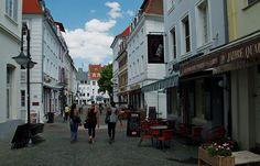 Gegen Ende der Woche, ... soll es wieder Draussensitzwetter geben. Wollen wir`s hoffen. Nicht nur in Saarbrücken. :-)