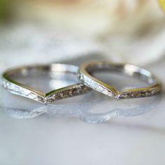 V字のフォルムに刻んだ月桂樹の葉の模様  [marriage,wedding,ring,bridal,Pt900,プラチナ,マリッジリング,結婚指輪,オーダーメイド,ウエディング,ith,イズマリッジ]