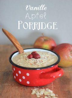 Apfel-Vanille-Porridge: 3 Äpfel, 60g Haferflocken, 400 ml Milch, 1 Pck Vanillepuddingpulver, Zimt, Rosinen, Honig, Nüsse oder Mandeln
