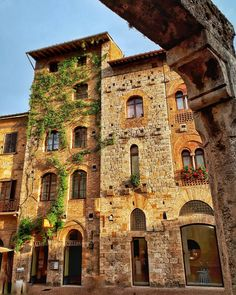San Gimignano Tuscany, Bella, Places Ive Been, Travel Photography, San, Memories, Mansions, House Styles, Happy