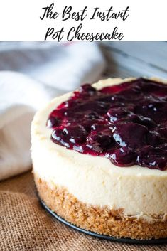 Did you know you can make a cheesecake in your instant pot? Well, YOU CAN and it's amazing! Try my recipe for the Best Instant Pot Cheesecake and you'll be a believer too! via # instapot cheesecake recipes The BEST Instant Pot Cheesecake! Instant Pot Cheesecake Recipe, Best Instant Pot Recipe, Instant Pot Dinner Recipes, Cheesecake Recipes, Steamed Cheesecake Recipe, Healthy Cheesecake, Nutella Cheesecake, Cheesecake Cupcakes, Köstliche Desserts