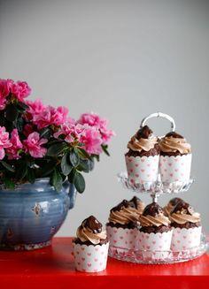 Alla hjärtans dag kan firas med chokladcupcakes med nougatfrosting