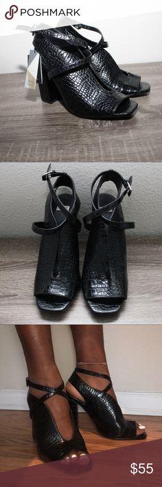 Zara Slit Chunky Heel Sandal Sleek, sophisticated, and stylish. 4.5 inch Chunky block heel, faux shiny croc texture, center slit design, peep toe, crossing straps at ankle, buckle fasteners, Zara size 41= women's size 10 Zara Shoes Heels