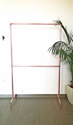 kupfer rohr kleiderstange bekleidungs rack von littledeeretsy garderobe kupfer pinterest. Black Bedroom Furniture Sets. Home Design Ideas