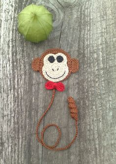 Mono marca páginas en ganchillo   -   Crochet Bookmark Crochet Monkey Present symbol 2016 by ElenaGift