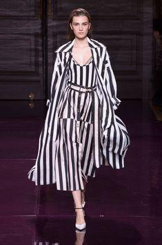 Nina Ricci, Spring 2017 - The Most Daring Coats and Jackets at Paris Fashion Week S'17 - Photos