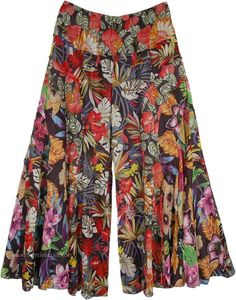 Gypsy Floral Cotton Pants Divided Skirt - - Gypsy Floral Cotton Pants Divided Skirt My Look Gypsy Floral Cotton Pants Divided Skirt Fashion Pants, Fashion Dresses, Divided Skirt, Gypsy Pants, Split Skirt, 2020 Fashion Trends, Wide Leg Pants, Wide Legs, Ankle Pants