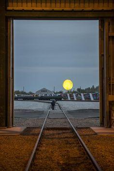 Olafur Eliasson's Dnipropetrovsk Sunrise