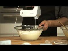 FLORA ΒΑΣΙΛΟΠΙΤΑ - YouTube Kitchen Aid Mixer, Kitchen Appliances, Greek Beauty, Christmas Cakes, Flora, Youtube, Diy Kitchen Appliances, Home Appliances, Xmas Cakes