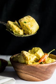 Creamy Indonesian Curry with Fish (Kari Ikan) - Creamy coconut, tangy lemongrass and tender white fish. Delicately spiced, this aromatic recipe is a winter curry winner. Curry Recipes, Fish Recipes, Seafood Recipes, Indian Food Recipes, Asian Recipes, Cooking Recipes, Healthy Recipes, Ethnic Recipes, Cooking Tips