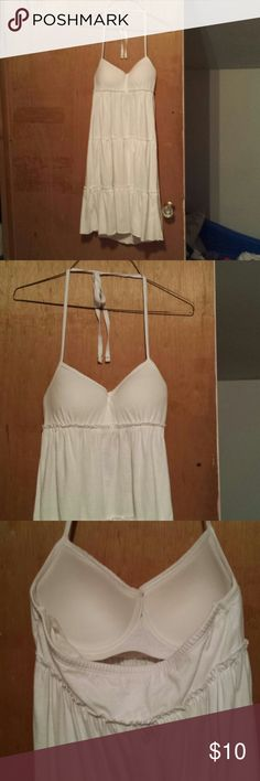 Dress White dress, halter style tie around the neck, bra cup on the top, mid length. Perfect summer style dress. No rips or stains. lei Dresses Midi