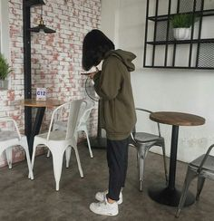 Discover recipes, home ideas, style inspiration and other ideas to try. Lazy Outfits, Mode Outfits, Korean Outfits, Fashion Outfits, Korean Aesthetic, Aesthetic Girl, Aesthetic Clothes, Japanese Aesthetic, Aesthetic Pastel