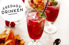 The Friday drink - you make a Raspberry Mojito- Fredagsdrinken – så gör du en Hallonmojito The Friday drink – you make a Raspberry Mojito - Refreshing Drinks, Fun Drinks, Beverages, Smoothie Drinks, Smoothies, Gold Drinks, Friday Drinking, Raspberry Mojito, Prosecco