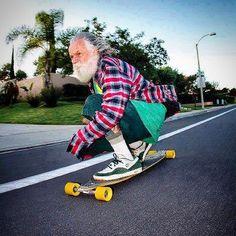 Así planeo jubilarme pero con audífonos y una GoPro. Y quizás más bici que skate.   via Instagram http://ift.tt/1NqDA3s  IFTTT Instagram