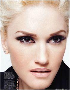 Gwen Stefani, gorgeous dark eye and nude lip Gwen Stefani Makeup, Gwen Stefani Style, Make Up Looks, Gwen Stefani No Doubt, Diamond Face, Looks Chic, Elle Magazine, Magazine Covers, Nicole Richie