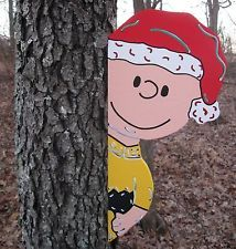Charlie Brown Santa Tree Pole Shed Barn Peeker Christmas Yard Art Decoration
