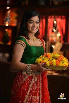 Rashmika mandana - saree look Indian Actress Images, South Indian Actress Hot, Indian Actresses, South Actress, Girl Photo Gallery, Dehati Girl Photo, Beautiful Girl Photo, Beautiful Girl Indian, Beautiful Saree