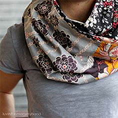 A fun, quick sew, reversible infinity cowl tutorial using your fave 6 fat quarters.