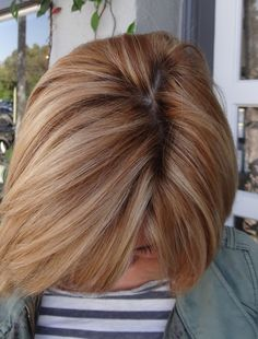 Like the strawberry blond w/ the blond. Wonder what this color would look like on me? Ive always had blond. Strawberry Blonde Highlights, Strawberry Blonde Hair, Red Highlights, Strawberry Color, My Hairstyle, Pretty Hairstyles, Bob Hairstyles, Formal Hairstyles, Celebrity Hairstyles