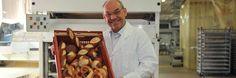 Wegen Insolvenz: Bäcker Lang muss Mitarbeiter entlassen - Bäcker Max Lang in seiner riesigen Backstube http://www.bild.de/regional/stuttgart/insolvenz/baecker-lang-entlaesst-leute-und-macht-filialen-dicht-40754954.bild.html