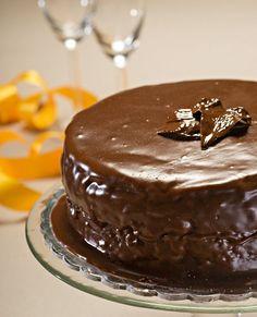 Greek Sweets, Greek Desserts, Party Desserts, Greek Recipes, Xmas Food, Christmas Sweets, Greek Cake, Greek Pastries, Chocolate Desserts