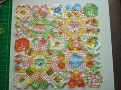 Nellie's Niceties - English #paperpiecing cushion cover quilted with #Aurifil