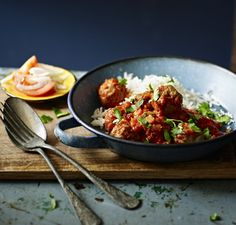 Give lamb, beef or mutton meatballs the Indian curry treatment in this easy curry recipe