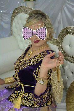 Arabic Dress, Traditional Dresses, Caftans, Fashion Design, Hats, Womens Fashion, Captain Hat, Clothes, Style