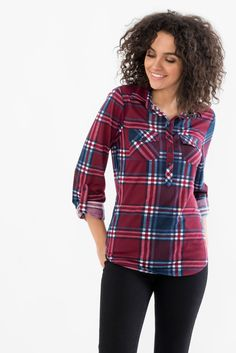 Plaid Shirt With Roll-Up Sleeves in shiraz red and blue Petite Fashion, Womens Fashion, Ponte Pants, Friend Outfits, Roll Up Sleeves, Rain Wear, Office Fashion, Suzy, Autumn Winter Fashion