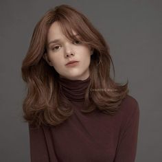 Chaofh Arthur Winter Design / Only the style that was chosen as the most beloved design for the customers came out the winter look ☺️ / . Haircuts For Medium Hair, Hairstyles Haircuts, Medium Hair Styles, Curly Hair Styles, Cool Hairstyles, Korean Wavy Hair, Brown Hair Korean, Hair Korean Style, Medium Length Wavy Hair