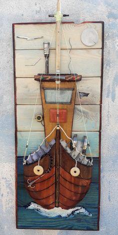 Wooden Hand, Handmade Wooden, Diy Wall Art, Wood Wall Art, Scrap Wood Art, Home Crafts, Diy And Crafts, Beach Scene Painting, Wood Pallets