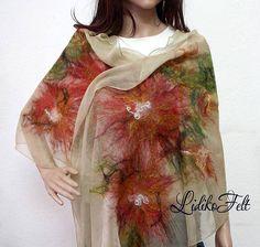 Felt Flower Scarf, Felt Flowers, Felt Diy, Felt Crafts, Nuno Felting, Needle Felting, Neck Piece, 50s Dresses, Wool Felt