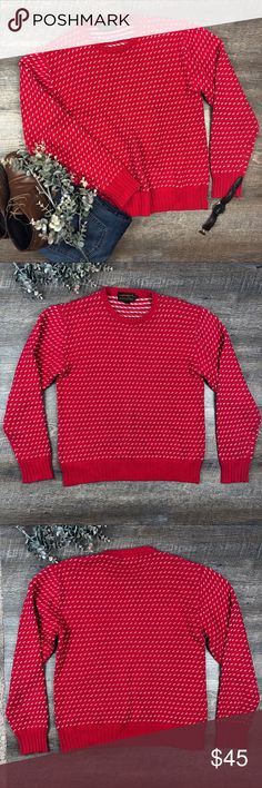 Eddie Bauer Red Patterned 100% Cotton Sweater Top Awesome red patterned 100% cotton Eddie Bauer sweater! Great for the holidays. In great condition. Size M. (I-6. B) Eddie Bauer Sweaters