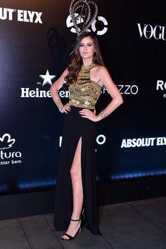 Camila Queiroz em festa em São Paulo