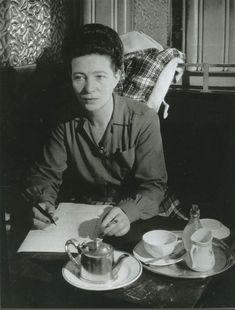 Portrait of Simone de Beauvoir, Café de Flore, Paris, c. pictured by Brassaï Jean Paul Sartre, Rouge Paris, Paris Café, Brassai, La Rive, Robert Doisneau, French Photographers, Portraits, Michelle Obama