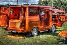 Volkswagen Transporter, Custom Van Interior, Dodge Van, Old School Vans, Vanz, Van Car, Day Van, Garage, Vintage Vans