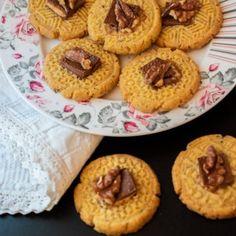 Prajitura Ana - Lucky Cake Doughnut, Delicious Desserts, Panna Cotta, Deserts, Sweets, Cake, Romanian Recipes, Sweet Pastries, Postres