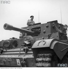 Bundesarchive Photos 1933 - all fields of WWII - Page 504 Cromwell Tank, Ww2 History, Centaur, British Army, Tamiya, Historical Photos, World War Ii, Military Vehicles, Diorama