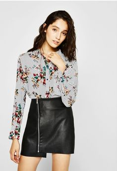 Flowing shirt with pocket - Shirts - Bershka Portugal Bell Sleeves, Bell Sleeve Top, Cool Style, Mini Skirts, Leather, Outfits, Clothes, Beauty, Women