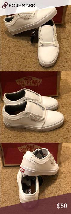 89b4e241d 10oz Canvas Chukka Low Vans New in box. White. Men's 6.5 women's 8 Vans